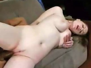 Chubby Pale Chick Goes Hardcore Nuvid