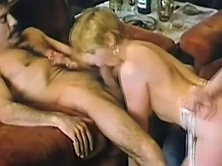 Wine Delivery For Bored Lady Free Vintage Porn Video E6