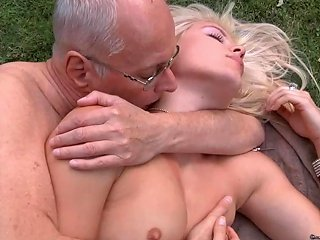 Lucky Old Decrepit Is Dogging His Kinky Hot Rich Young