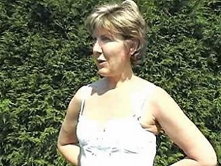 Sara Topless Sunbathing Free Free Sunbathing Porn Video C7