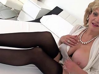 Unfaithful British MILF Lady Sonia Pops Out Her Large Balloons Porn Videos