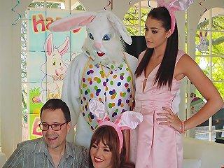 Avi Love In Uncle Fuck Bunny