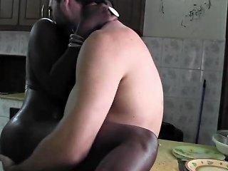 Beautiful Black Lady Bareback Fucking By White Cock Tourist Drtuber