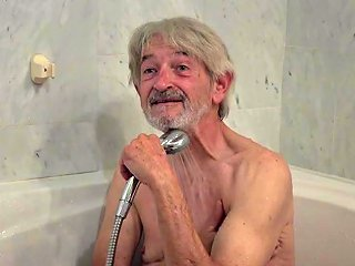 Old Young Cleaning Lady Gets Fucked By Wrinkled Grandpa Txxx Com