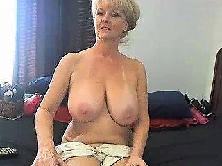 Amateur Meganrosex Masturbating On Live Webcam Drtuber