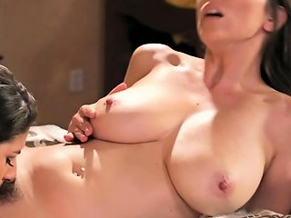 Lesbian Milf Scissoring With Stepdaughter