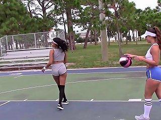 Sierra Nicole Kelsi Monroe Sophia Leone Lythi Anna In Basketball