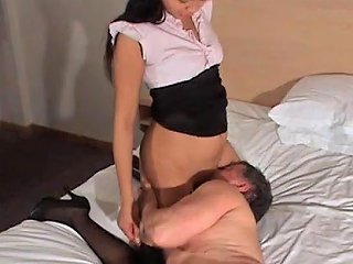 A Younger Chick Makes An Older Guy Worship Her Pussy