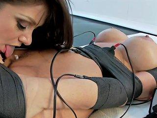 Lea Lexis Syren De Mer In Sexy Big Breasted Milf Worships Mistress Lea Lexis In Shocking Mummification Electrosluts Txxx Com