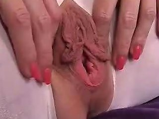 Playing With Her Great Pussylips Free Porn 5d Xhamster
