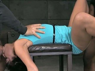 Drooling And Messy Deepthroats Session From Young And Playful Girl