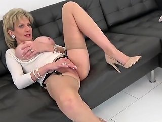 Lady Tease In High Heels Braless Txxx Com