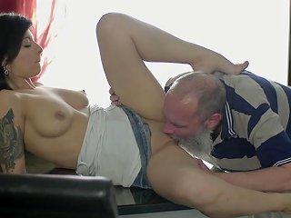 Curious Grandpa Explores Wideopen Teen Pussy Sunporno Uncensored