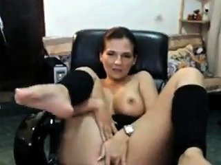 Mother Almost Gets Caught By Son Getting Nasty On Livecam Drtuber