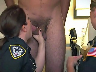 Giantess Blonde Sit Noise Complaints Make Muddy Superbitch Cops Like Me Humid For Thick