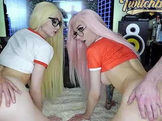 Foursome Gamer Girls Fuck By Two Huge Dicks After Gaming