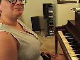 Chubby Mature Plays Piano F70 Free Students Porn Video Fb