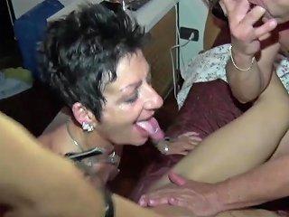 La Milf E La Ninfomane Mille Cazzi Per Le Troie Hd Porn Fa