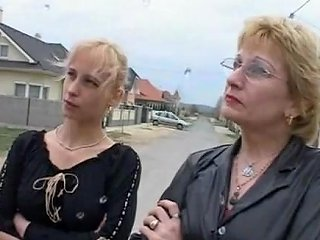 9654 German Mom And Daughter Fucking And Pissing