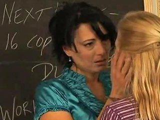 Girls In Love Payton And Zoe Mature Lesbian Teachers