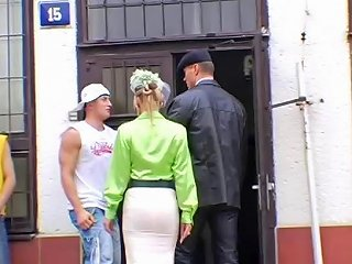 Carmelita Blue With Homeless Dude And Husband Sunporno Uncensored