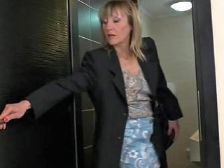 9654 Kinky Pee Loving Housewife Gets A Piss And A Fuck On A Toilet
