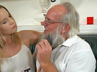 Santa Lookalike Grandpa Fucks A Hot Blonde Teen Babe