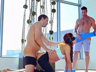 Blindfolded Bitch Jade Jantzen Gets Her Cunt And Mouth Fucked By Two Dudes