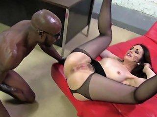 Classy Hottie Sarah Shevon Is An Interracial Anal Slut
