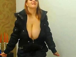 Sexy Dancing Huge Boobs Girl With Nice Cleavage F From Sexcams19 Porn Videos