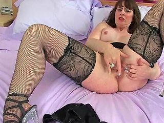 Scottish Milf Toni Lace Looks Fabulous In Stockings With Suspenders
