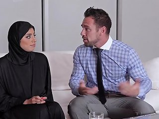 Creampied Ella Knox Is Wearing A Hijab For This Occasion