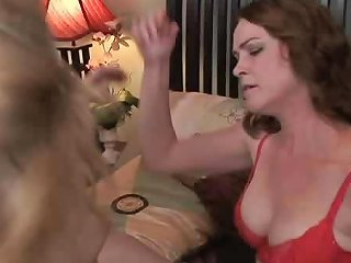 Sex Starved Lesbians Get Each Other Off