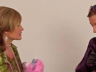 Lesbian Romance In Wet Scenes Film