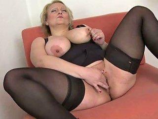 Pallid Big Bottomed Chubby Blonde Mature Housewife Masturbated Like Pro