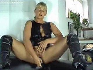 Dirty Talk German Squirt Free Girls Masturbating Porn Video