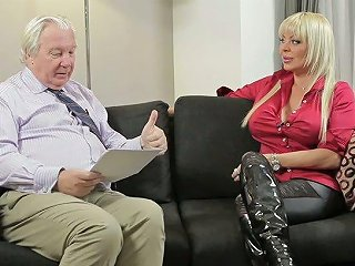 Just Awesome XXX Interview With Perfect Hungarian Porn Actress Monique Covet