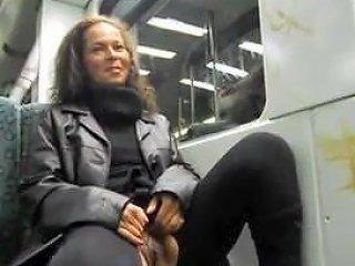 Perverse Suffsau Schifft Mitten In Der S Bahn Free Porn 16