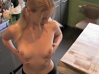Bl0ndehexe Virtual Sex Deine Heibe Nachbarin Verfuhrt Dich Zum Ficken