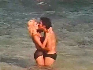 Charming Vintage Blondie With Big Ass Rides Fat Dick On Hawaiian Beach