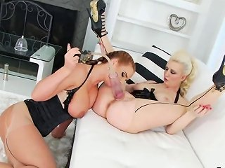 Lezzie Centerfolds Spread Their Deep Anal Holes And Poke Big Magic Wands Porn Videos
