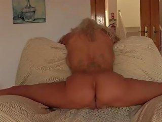 Yoga Flocke Armchair Contortion Nude