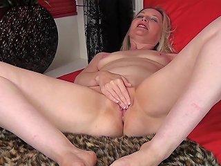 Emma Turner In Sexy Momma Anilos Txxx Com