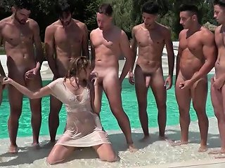Football Players Fuck Linda One By One After A Blowbang