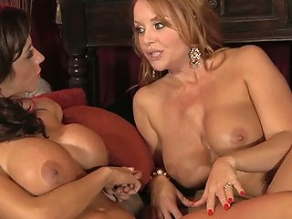 Two Beauties Free Lesbian Porn Video 3c Xhamster