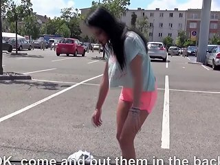 Real Hitchhiker Amateur Gets Jizzed On Booty By Driver
