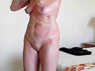 Elke Mit After Sun Lotion Im Hotelzimmer Porn Ac Xhamster