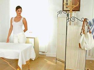 Mira Sunset And Vivien Bell In Sapphic Massage Lesbian