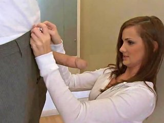 Amateur Teen In Dressing Room Free Brazzers Hd Porn A0