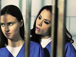 Prison Les Scissoring After Licking Cell Dyke Free Porn E0